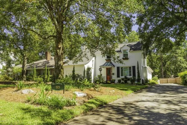 1523 Magnolia Place