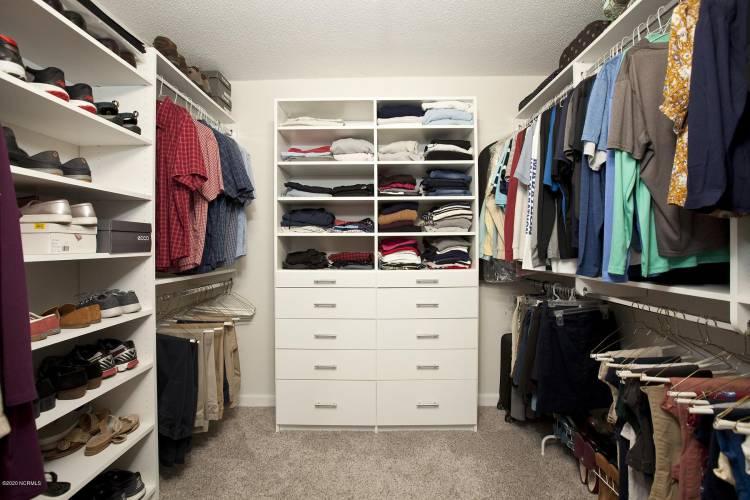 tipton master walk in closet