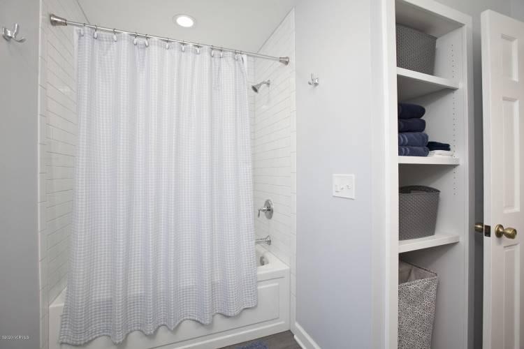 tipton second bath shower