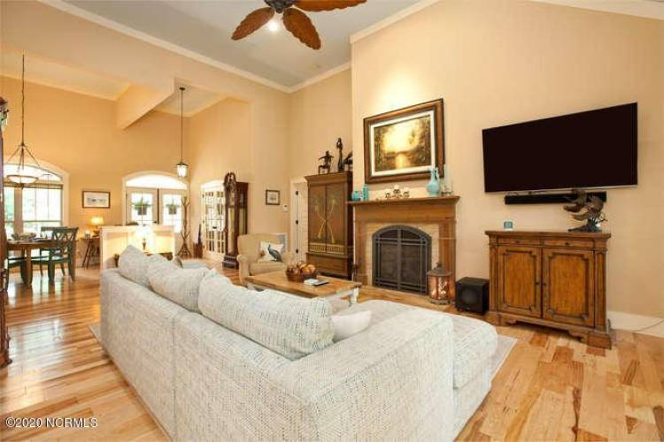 907 Grandview Dr Hampstead NC-small-022-
