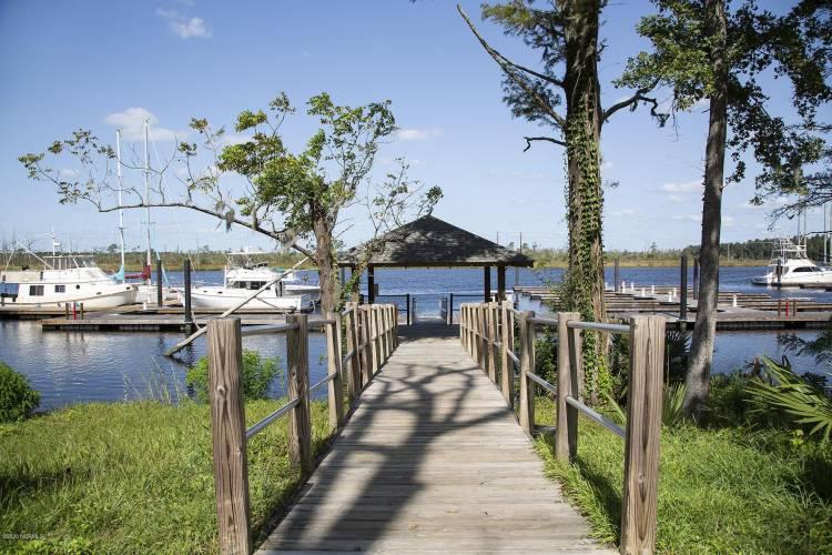 River Bluffs Docks 9.2020 L33A4517
